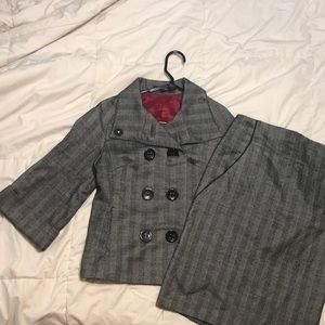 S4 EXPRESS skirt suit 3/4 wide sleeve, gray knit.